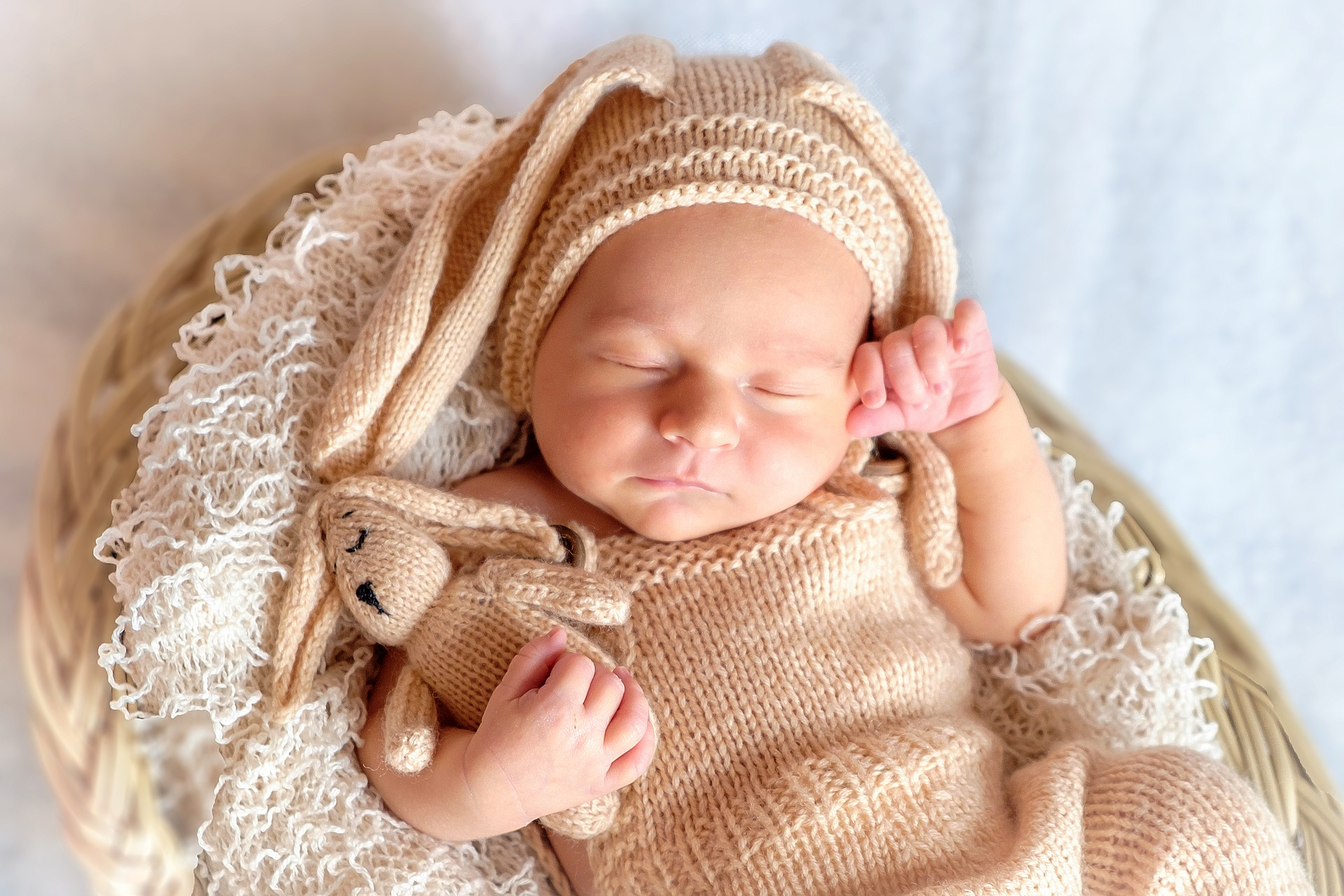 Baby Sleep - break the myths and help your baby sleep better