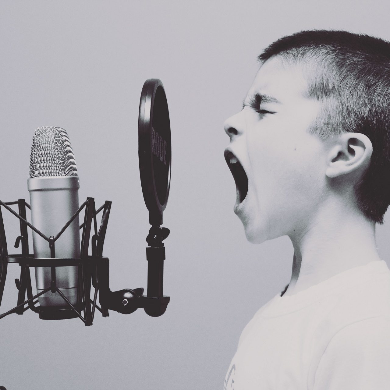 7 Easy Ways to Empower the Bossy Child Out of His Bossiness