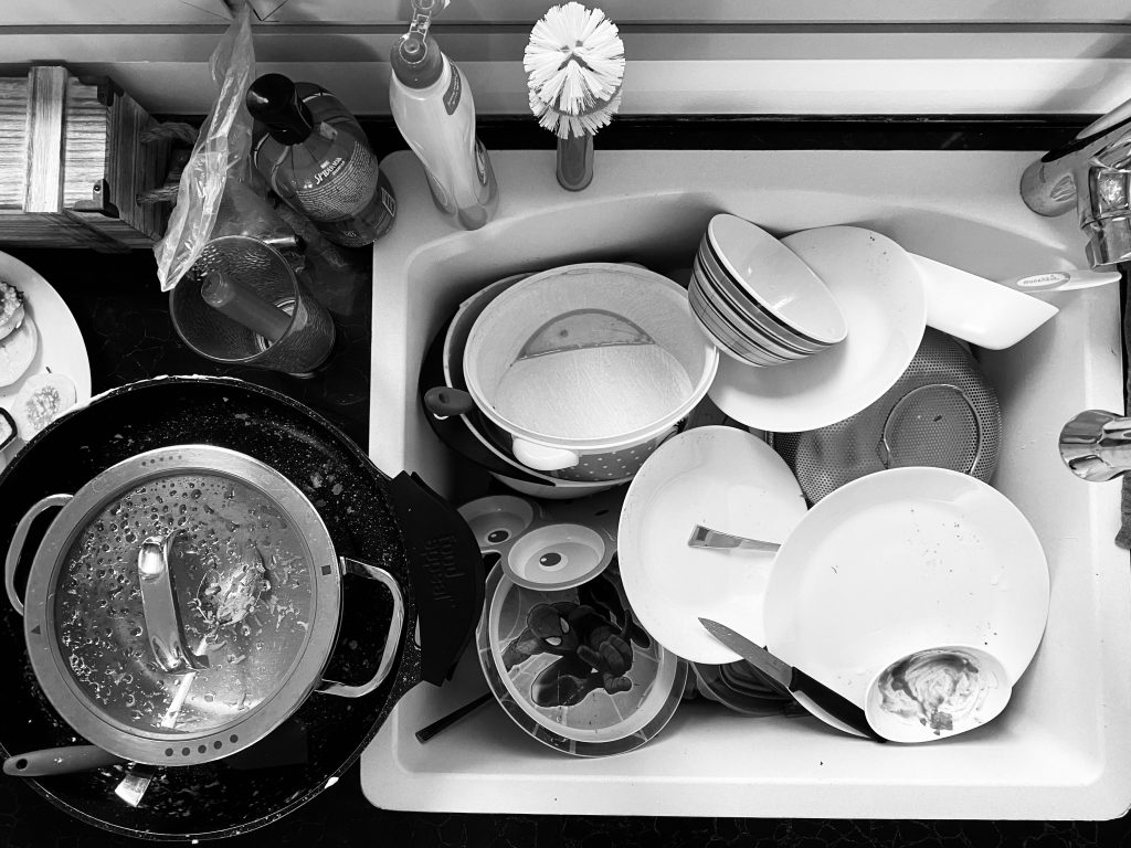 The Little Trick that Makes Me LOVE Doing Dishes
